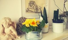 yellow house ideas: March is not a boring month.