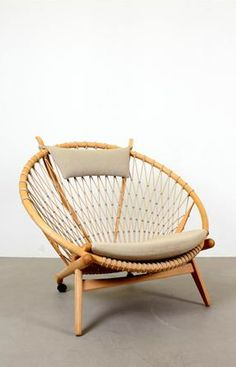 hans wegner - hoop chair - I absolutely love this chair it is in one of my scandinavian design books.