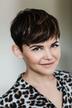 Ginnifer Goodwin... I love her hair!! I want it!!!