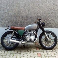 1976 Honda CB550. Simple paint design... Love these colors
