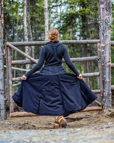 Introducing essential winter riding gear: the gorgeous, incredibly warm, breathable, waterproof, easy to put on/off, insulated riding skirt! These winter riding skirts will change your life and keep y