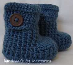 Crochet baby booties with buttonschoose your size by margarita779, $16.00