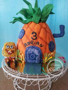 tarta tallada piña Bob Esponja