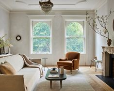 William Morris Wallpaper, Morris Wallpapers, Interior Design Shows, Studio Interior, Stone Basin, London Townhouse, Living Area, Living Room, Grand Staircase