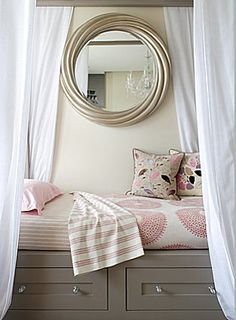 Built-in bed nook with privacy curtains.cute for a girl tween, teen or adult girl.or guest room. Grand Cadre Photo, Bed Nook, Cute Room Ideas, Nook Ideas, Design Blogs, Just Dream, Teen Girl Bedrooms, My New Room, Girl Room