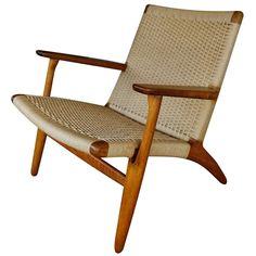 1stdibs.com | CH 25 lounge chair by Hans Wegner for Carl Hansen ca.1960's