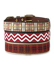 The durability of nylon meets the appeal of leather in this cheerful, patterned dog collar and leash.