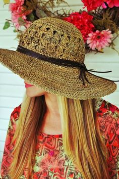 I just got a floppy summer hat! Summer Of Love, Summer Time, Cute Hats, Hat Hairstyles, Summer Hats, My Style, Sun, Beauty, Garden