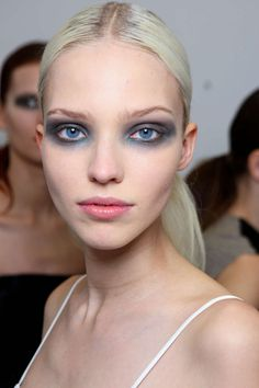 Sasha Luss, backstage at Derek Lam Fall 2014 Runway Makeup, Beauty Makeup, Eye Makeup, Hair Makeup, Hair Beauty, Baddie Makeup, Makeup Geek, Blue Smokey Eye, Smoky Eye
