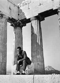 Jazz trumpeter Dizzy Gillespie visiting the Acropolis ~ 1956 East Pakistan, Dizzy Gillespie, Hollywood Music, Marching Band Humor, Greece Photography, Positive Images, Southern Europe, Athens Greece, Back In The Day