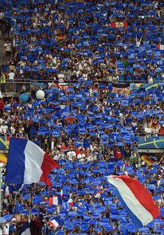 France-Allemagne: c'est l'affiche de cette deuxième demi-finale de l'Euro de football disputée dans un stade Vélodrome en fusion.