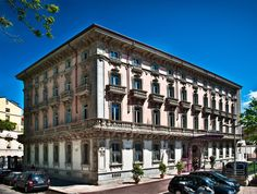 http://www.lowestroomrates.com/avail/hotels/Italy/Milan/Chateau-Monfort.html?m=p    A stay at Chateau Monfort places you in the heart of Milan, minutes from Villa Necchi Campiglio and close to Cathedral of Milan. This 5-star hotel is within close proximity of Giuseppe Verdi Conservatory and Natural Science Museum.  #ChateauMonfort #MilanHotels