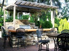Rustic Outdoor Kitchen - Home and Garden Design Idea's