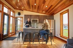 This is the 601 sq. Aspen Small House by Dickinson Homes and you're welcome to come check it out inside! Cabin House Plans, Tiny House Cabin, Tiny House Living, Cabin Homes, Small House Plans, Small Tiny House, Modern Tiny House, Small House Design, Tiny Cabins