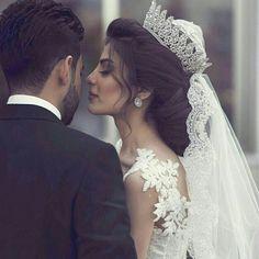 56 Super Ideas for wedding photography muslim photo ideas Muslim Wedding Dresses, Bridal Dresses, Wedding Gowns, Wedding Couple Poses, Wedding Couples, Arab Wedding, Wedding Bride, Wedding Hair And Makeup, Bridal Hair
