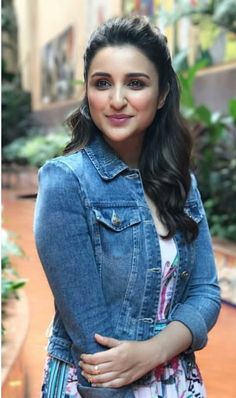 Parineeti Chopra is out for Reliance Digital Store Launch! Cute Celebrities, Indian Celebrities, Bollywood Celebrities, Celebs, Female Celebrities, Shraddha Kapoor, Priyanka Chopra, Indian Bollywood, Bollywood Stars