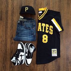 or: by for on-feet photos for outfit lay down photos Swag Outfits Men, Tomboy Outfits, Dope Outfits, Casual Outfits, Men Casual, Fashion Outfits, Teen Boy Fashion, Tomboy Fashion, Streetwear Fashion