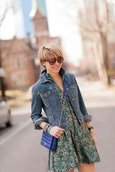 seersucker and saddles Summer Outfits Women Over 40, Casual Summer Outfits, Spring Outfits, Cute Outfits, First Date Outfits, Denim Outfit, Fashion Over 40, Gap Jeans, Casual Looks