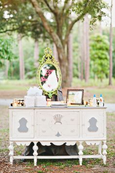 Photography: Apryl Ann Photography - aprylann.com Event Planning: Southern Graces - southerngracescatering.com   Read More on SMP: http://stylemepretty.com/vault/gallery/11363