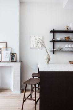 Holly Marder of Avenue Design Studio has renovated her Dutch row house to create more light and more space for her family Boutique Interior Design, Interior Design Studio, Eclectic Furniture, Furniture Styles, Wabi Sabi, Layout Design, Country Look, Turbulence Deco, Deco Addict