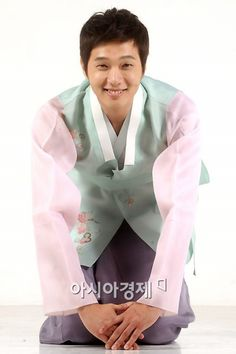 Cute in a hanbok :)