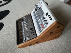 SOLID OAK DUAL KORG VOLCA BASS SAMPLE BEAT KEYS 2 TIER STAND in Musical Instruments, Pro Audio Equipment, Synthesisers & Sound Modules | eBay