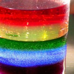 Cómo hacer un arco iris líquido. Experimento infantil