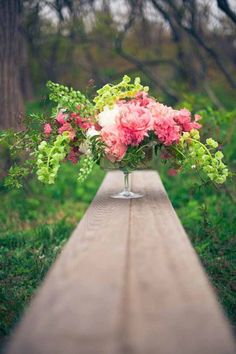 Wedding Wednesday :: Centerpieces in Footed Vessels - LOVE pink and lime green