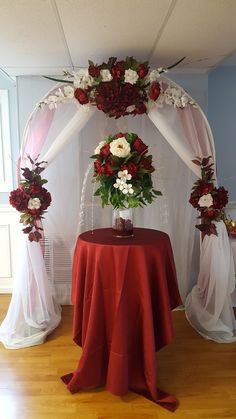 Arco de matrimonio Wedding Stage Decorations, Backdrop Decorations, Wedding Themes, Wedding Designs, Burgundy Wedding, Purple Wedding, Wedding Flowers, Wedding Wall, Flower Backdrop