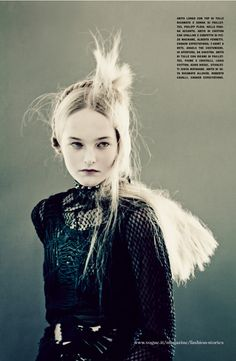 Vogue Italia March 2014   Jean Campbell by Paolo Roversi [Editorial]