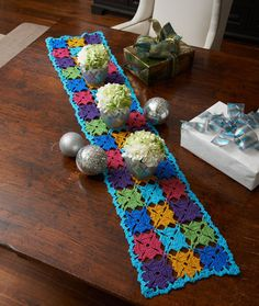 Holiday Party Table Runner.  I made this for my mama for Mother's Day.  Pretty easy.