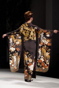 Kimono [furisode] 2: Yukiko Hanai designed Spring/Summer 2012 Collection. Tokyo, Japan.