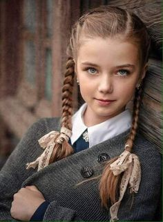Old fashioned Photo by Mode Beautiful Little Girls, Cute Little Girls, Beautiful Children, Beautiful Eyes, Beautiful Babies, Cute Kids, Young Models, Child Models, Children Photography