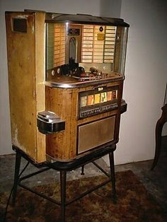 1958 Rock Ola Juke Box 1464 Wall Model w Stand Records Jukebox, Vintage Music, Vintage Tv, Vintage Stuff, Vintage Decor, Music Machine, Art Deco, Record Players, Phonograph