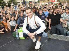 Mikolas Josef s českými fandy Smart People, Love Him, Joseph, Bands, Celebrity, Artists, Let It Be, Guys, Stars