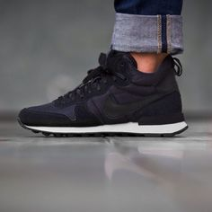 In love with this trainers   Nike Internationalist Mid Black Black Anthracite Sail - 683967-006