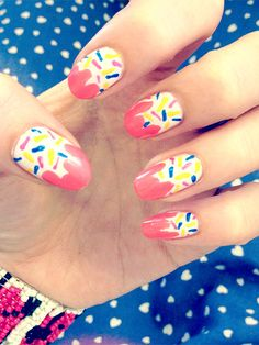 Cupcake Nail Art http://www.ivillage.com/nail-art-designs-food-nail-art/5-a-542346