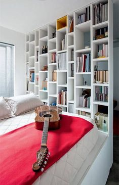 These space saving interior design and decorating ideas belong to architect Vitor Hugo Rebello. The small apartment ideas are elegant and stylish. They maximize available space with creative customized storage solutions and turn a small apartment into comfortable home for a single guys. Lushome pres