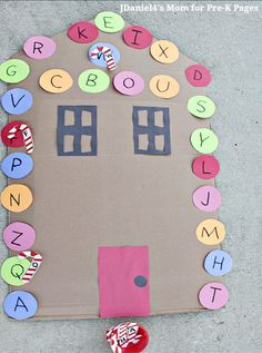 Candy Cane letter game for kids. Your kids will love this fun letter matching with a candy cane twist! Tons of fun for preschool, pre-k, or kindergarten kids at home or at school.