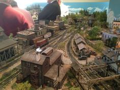 Central Pacific Railway - CPRX...A model railroad: Third day of Portland Crew Visit