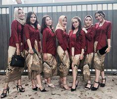 Inspirasi Model Kebaya Modern Maroon Rok Batik Parang Kebaya Kutu Baru Modern, Kebaya Modern Hijab, Kebaya Hijab, Kebaya Muslim, Kebaya Bali Modern, Kebaya Lace, Batik Kebaya, Kebaya Dress, Batik Dress