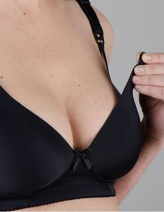 Easy opening on this great #Nursing Bra. #Breastfeeding