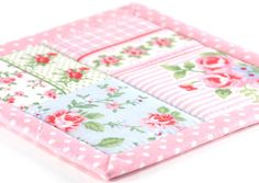 Fabric Coasters - Shabby Cottage Chic Roses in Pink, 4 Reversible Patchwork Mini Quilts Candle Mat Set, Pink, Green, Blue Flowers Home Decor The Coasters, Quilted Coasters, Fabric Coasters, Drink Coasters, Quilted Potholders, Plus Forte Table Matelassés, Cottage Shabby Chic, Big Candles, Quilted Table Toppers