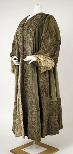 Evening wrap Chéruit  Date: 1902–4 Culture: French Medium: silk, metal Accession Number: C.I.58.42.3