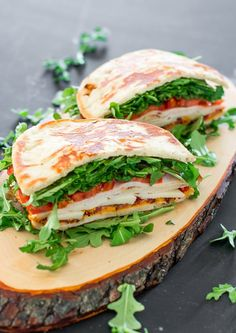 Bacon Chicken and Arugula Sandwich - the perfect sandwich for a snack or a healthy lunch. This sandwich is packed with arugula, tomatoes, and deli meat. I Love Food, Good Food, Yummy Food, Lunch Recipes, Dinner Recipes, Cooking Recipes, Healthy Snacks, Healthy Eating, Healthy Recipes
