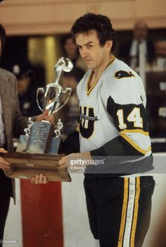 Canadian professional hockey player Dave Keon of the Hartford Whalers receives a trophy, Hartford, Connecticut, April Hockey Goalie, Hockey Games, Ice Hockey, Hockey Trophies, Hartford Whalers, Maple Leafs Hockey, Hockey Pictures, Hartford Connecticut, Buffalo Sabres