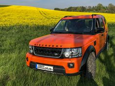 Land Rover Discovery front view with black grill and black air intake
