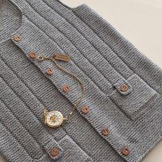 Diy Crafts Knitting, Knitting Kits, Easy Knitting, Baby Knitting Patterns, Seed Stitch, Vest Pattern, Crochet Yarn, Embroidery Stitches, Kids Outfits
