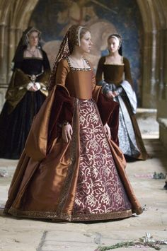 The Other Boleyn Girl - Costumes by Sandy Powell Mode Renaissance, Costume Renaissance, Medieval Costume, Renaissance Fashion, Medieval Dress, Medieval Clothing, Renaissance Dresses, Tudor Costumes, Period Costumes