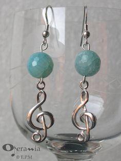 Orecchini in argento 925 con chiave di violino di OperaMia shop ... Wire Wrapped Earrings, Unique Earrings, Beaded Earrings, Beaded Bracelets, Fancy Jewellery, Jewellery Display, Wire Jewelry, Jewelery, Jewelry Patterns